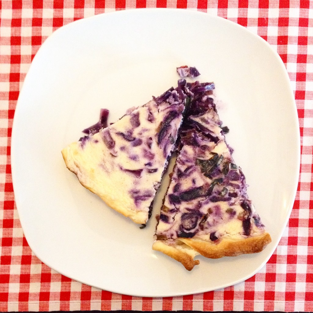 Kochbox - red cabbage quiche