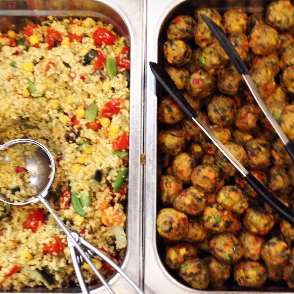 Grönsaksbullar and Quinoa