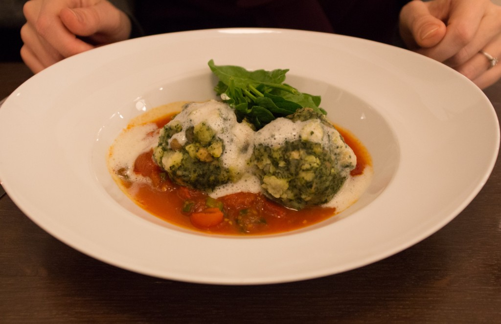 zu wohl Gasthaus spinach dumplings with tomato ragú and sage vegan