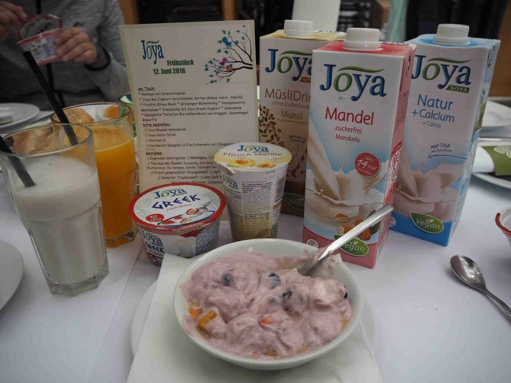 Joya Yoga Convention 2016 blogger breakfast